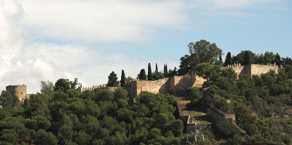 снимка на замъка хибралфаро в Малага